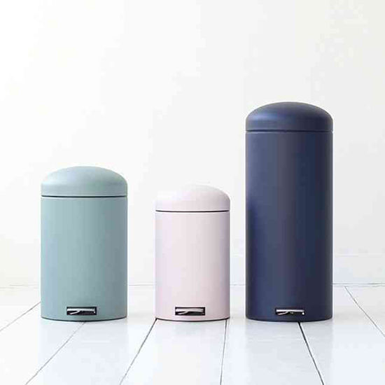 D e s i g n l o v e f e s t 15 stylish trash cans for Commercial bathroom trash cans