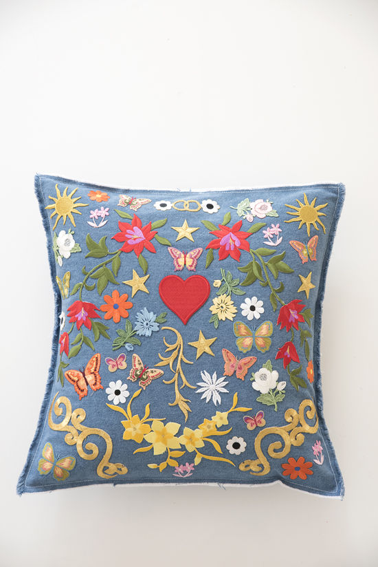 diy denim patch pillow | designlovefest