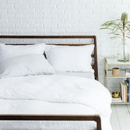 white bedding | designlovefest