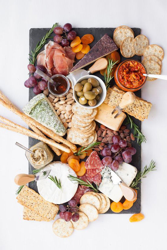 the part of holiday entertaining i look forward to most is perfecting the holiday cheese plate. it\u0027s so fun to select the cheeses lay them out on a pretty ... & D E S I G N L O V E F E S T » WEEKEND AT HOME / 88