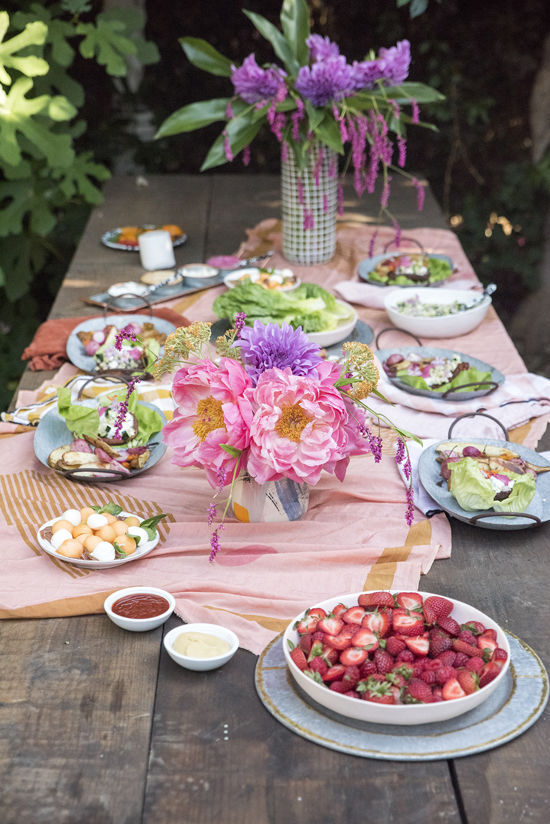 outdoor dining with MorningStar Farms | designlovefest